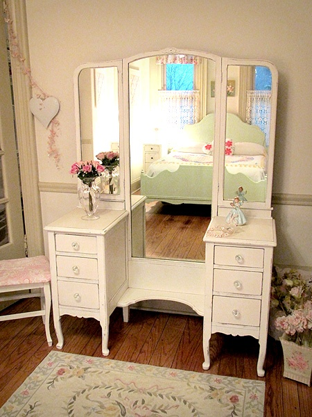 Antique White Vanity With Mirror And Bench