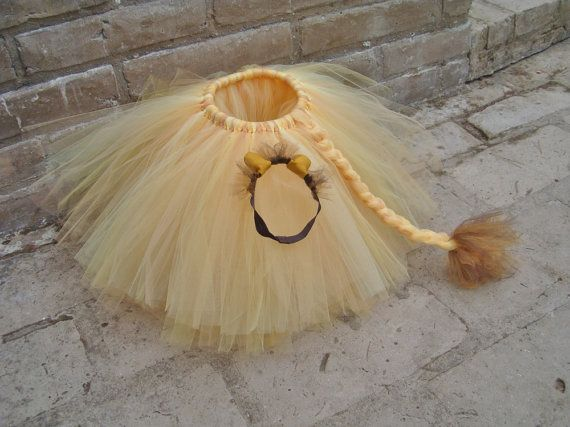 Lion tutu and ears. Lion tutu and mane. Lion skirt. Lion newborn costume. Lion toddler Costume. School play lion outfit.