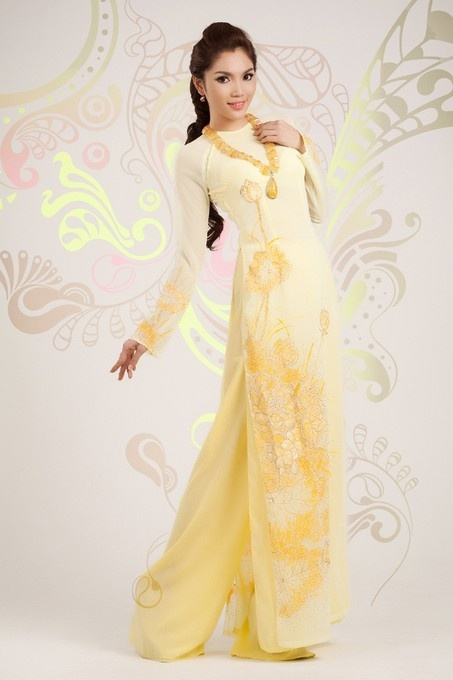 Ao Dai Sen Viet - HS011 / You are planning an order to buy ao dai? This is the best time to do it, 10% off for every dress only in Ao Dai Hoa Nguyen :) / http://aodaihoanguyen.com/ao-dai/ao-dai-sen-viet/chi-tiet/86-ao-dai-sen-viet-hs011#.UH_kyaNKY80