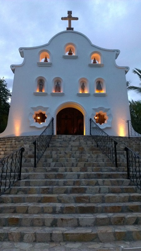 Picturesque Los Cabos, Mexico - http://www.travelandtransitions.com/destinations/destination-advice/latin-america-the-caribbean/mexico-travel-the-best-mexico-beaches-in-western-mexico/