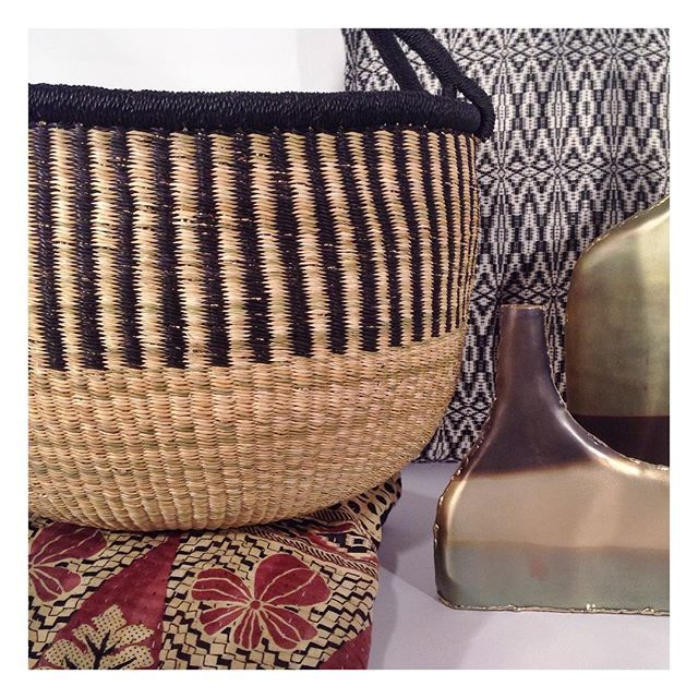 A gorgeous stack of some of my favourite things. Colour block market basket. Aztec cushion and our unique horizon vases.  #globalliving #zarparliving #interiorinspo #interiorinspiration #homewares #kantha #kanthaquilt #kanthathrow #brass #brassvase #metalwork #marketbasket #azteccushion #fairtrade #sustainableliving #ecoliving #sydneyliving #northernbeaches