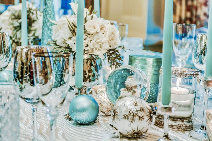 We created a Lovely winter wonderland table scape