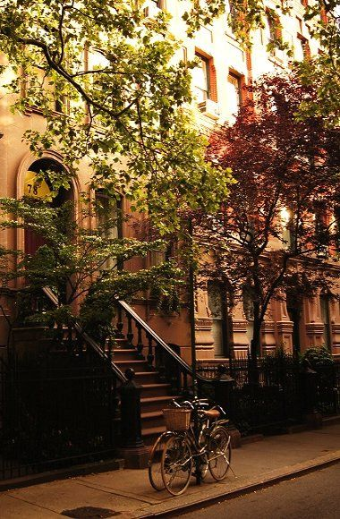 Summer on Perry Street, Greenwich Village, New York City // by Vivienne Gucwa on Flickr