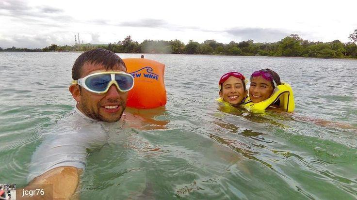 from @jcgr76 . . #swim #swimmer #swimming #ows #2kswim #outdoors #newwaveswimbuoy #3athlon #3athlonlife #swimbikerun #nadapedaleacorre #onesportisnotenough #undeportenoessuficiente #tri_365 #triathlontraining #tri_community #triathlon #training #ironmantraining #ironmantri #ironman703 #natacion #natação #swimmingday #tri_community #triathlete #triatlon #ocean #water #aguasabiertas