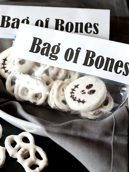 Bag of bones snack mix for Bag of bones halloween decoration