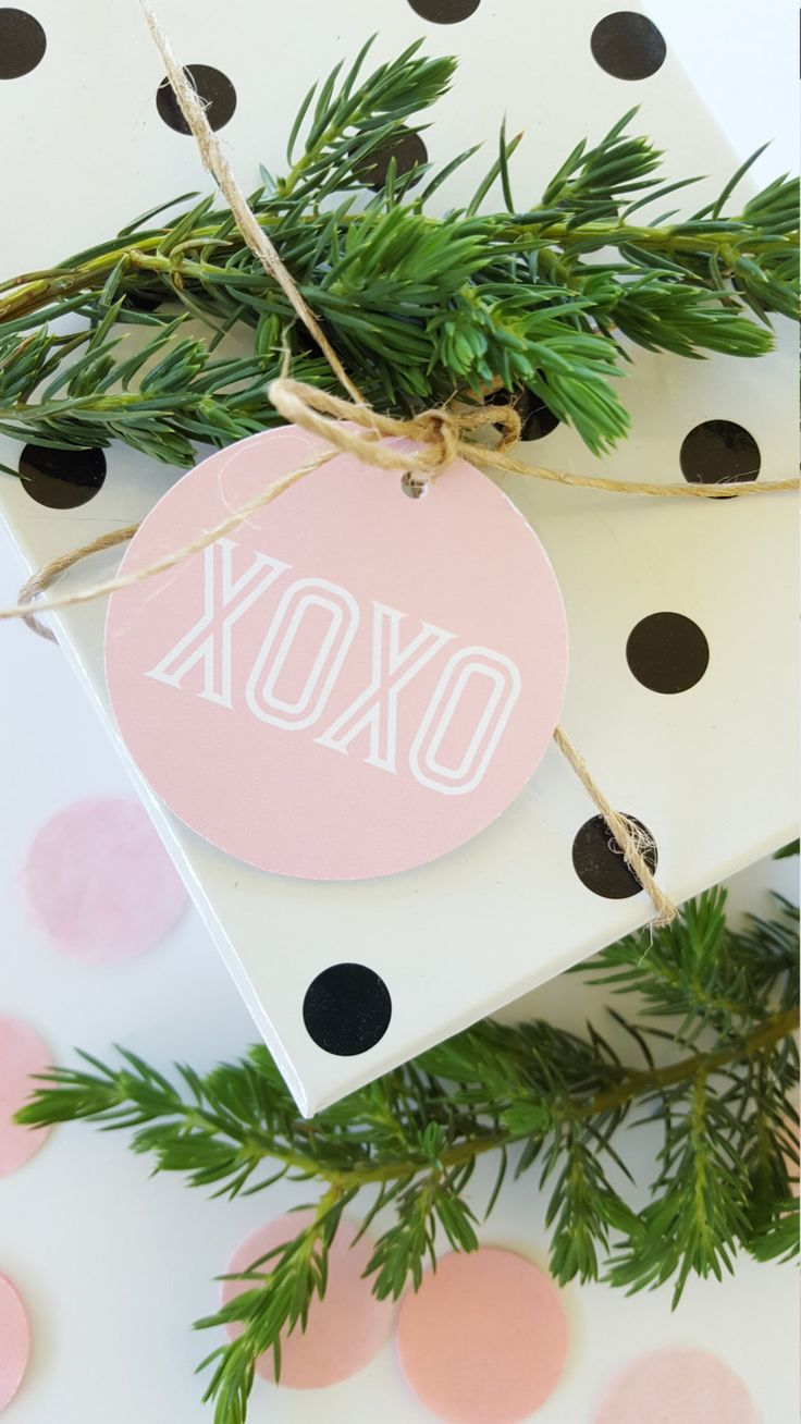 XOXO Gift Tags/ Valentines Day Gift Tags/ Love Gift Tags - GT044