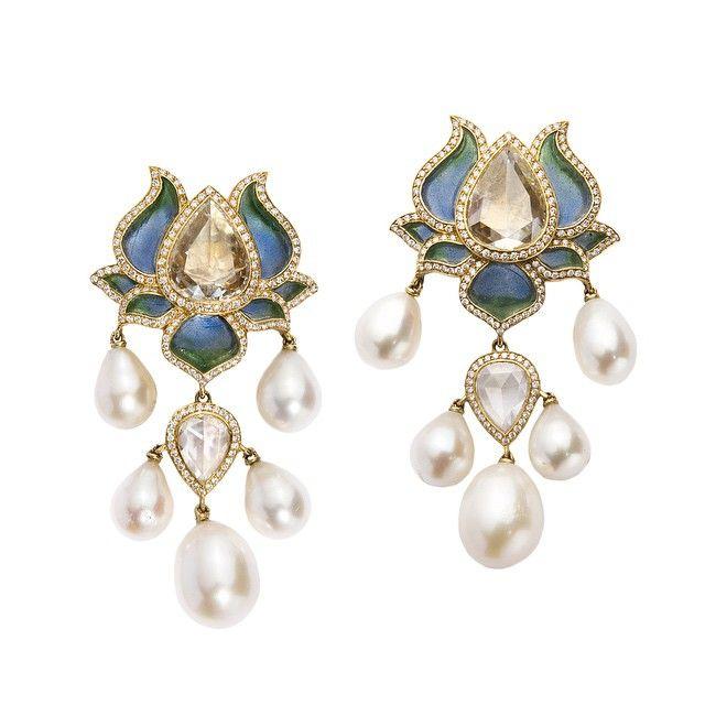Timeless elegance is born. Read about @SidKas' #lotusflower earrings... @munnugempalace - imagli.com