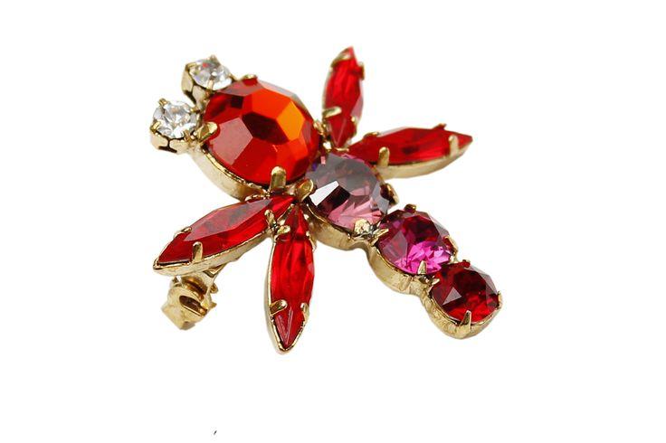 #RobertoCavalli #Cavalli #ClassbyRobertoCavalli #Prefall #bejeweled #dragonfly #accessories #broche