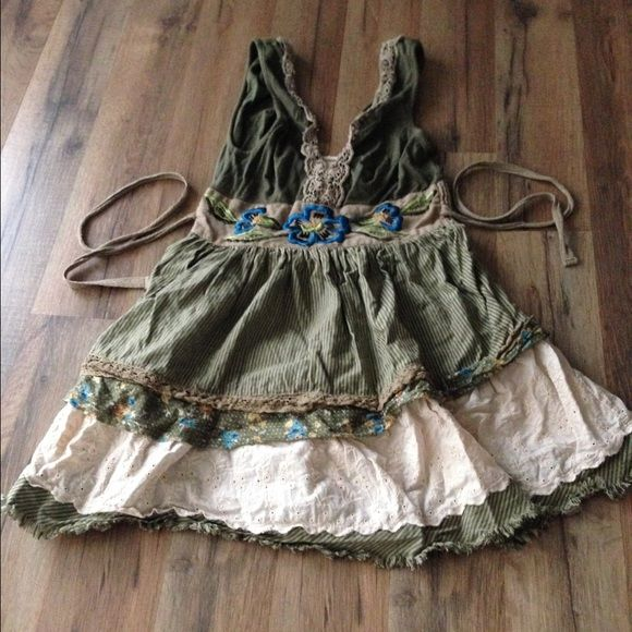 Free People green boho layered floral Cami top Free People green boho layered floral Cami top- ties in front of back. Very unique and fun to wear! Free People Tops
