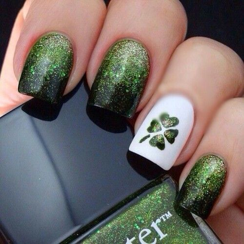 Green gradient London butter nails with four leaf clover accent