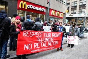 Fast Food Workers Launch Largest Ever Strike For Higher Wages https://twitter.com/orangeflower08/status/373337884884865024 https://twitter.com/orangeflower08/status/373339350630559744