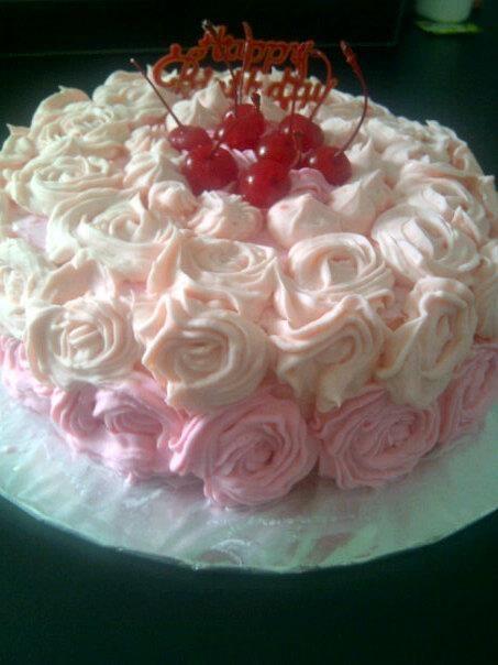 Pink Ombre Cake WIth Cream Oreo