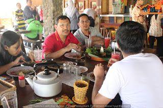 Rumah Makan Asep Stroberi Nasi Liwet Khas Sunda | Hotel di Garut | HdG Team