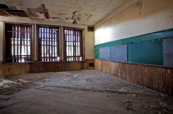 I would love to fix up this old school and turn it in to a crazy huge house.: Goldfield School, Huge House, Old School, High Schools