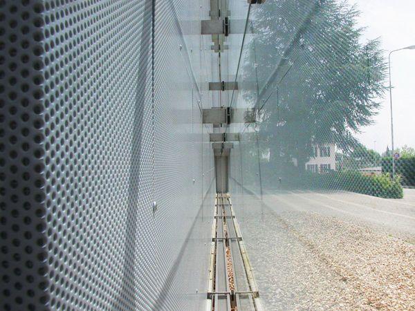 17 Best Ideas About Fassadenverkleidung Metall On Pinterest ... Glas Fassade Spiegelfassade Baumhaus