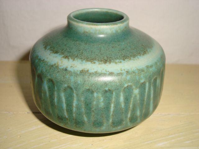 SAXBO vase made in stoneware with hare fur glaze. H: 5 cm D: 6,5 cm. From 1950s.  SOLGT/ SOLD ✔#Krebs #Saxbo #Staehr #stoneware #ceramics #Danish #vase #harepelsglasur.