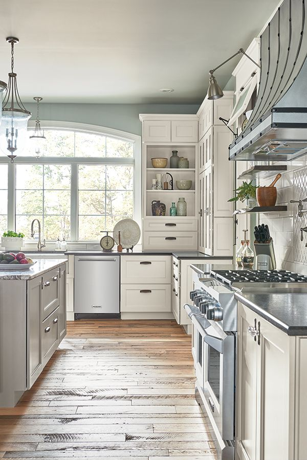 Your Dream Kitchen Should Reflect Who You Are And How You Live Kemper Cabinets Has The Tools To Building A Kitchen Semi Custom Cabinets Kitchen Craft Cabinets