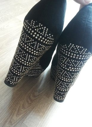 Kup mój przedmiot na #vintedpl http://www.vinted.pl/damskie-obuwie/inne-obuwie/13680351-koturny-reserved-rozmiar-40-cekiny