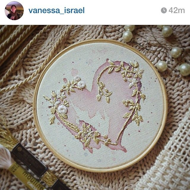 RG da bordadeira @vanessa_israel com o coração-lindo-maravilhoso pronto pra decorar o casório  #wedding #clubedobordado #handmade #watercolor #vscocam #bordado #finish #pearl #sp #bh #brasil #heart #decor #wall