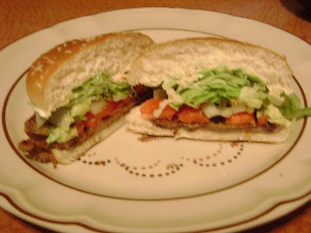 La Cocina de Leslie: Torta de Milanesa {Breaded Steak Sandwich}