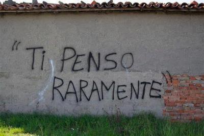 A scrivere sui muri che mi pensi raramente... [Le luci della centrale elettrica]