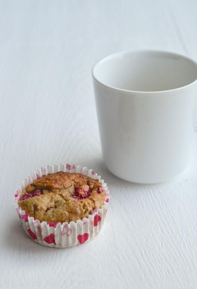 Havermout muffins met kokos en frambozen.