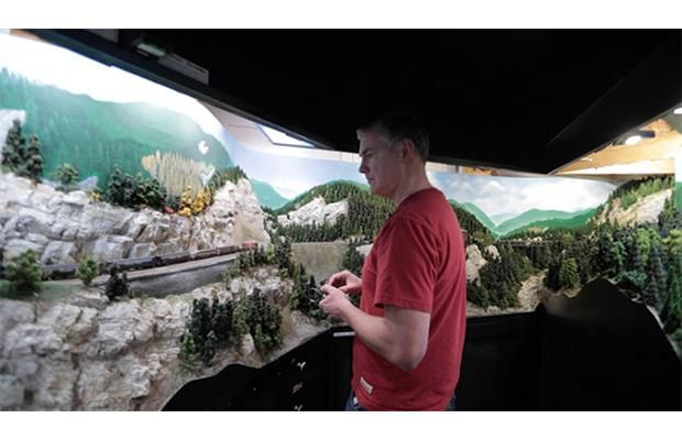 Video: Exploring model #trains - Mark Dance is an engineer with a specialty in advanced #robotics