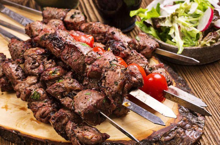 Marinated Greek Souvlaki recipe (Skewers) with Pita and Tzatziki sauce recipe Chicken, Beef, or Pork