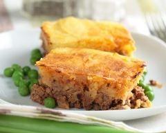 Cottage pie à l'anglaise (hachis parmentier aux petits légumes) (facile, rapide) - Une recette CuisineAZ