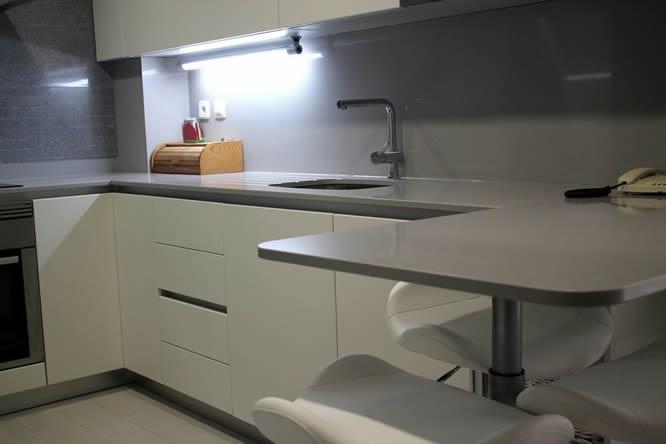 Cocinas dise o de cocinas en alcobendas lacado sistema - Sofas en alcobendas ...