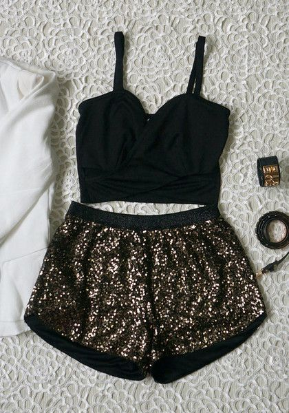 Bling Sequined Shorts//