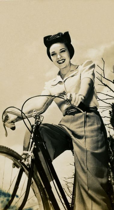 Bike riding glamour of the most beautifully fun caliber. #vintage #1940s  #woman #fashion