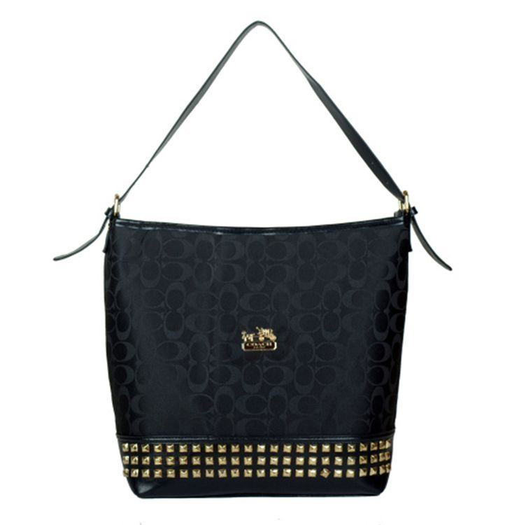Coach Hobo Signature Black on the lookout for limited offer,no duty and free shipping.#handbags #design #totebag #fashionbag #shoppingbag #womenbag #womensfashion #luxurydesign #luxurybag #coach #handbagsale #coachhandbags #totebag #coachbag