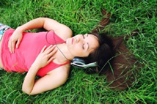 http://shw1.com/wp-content/uploads/2015/10/MeditationHeadphones.jpg How To Lose Weight, Reduce Stress, Look Younger!