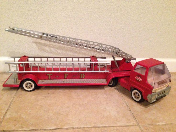 Vintage Toy Trucks Part - 39: 1960u0027s Tonka Fire Truck