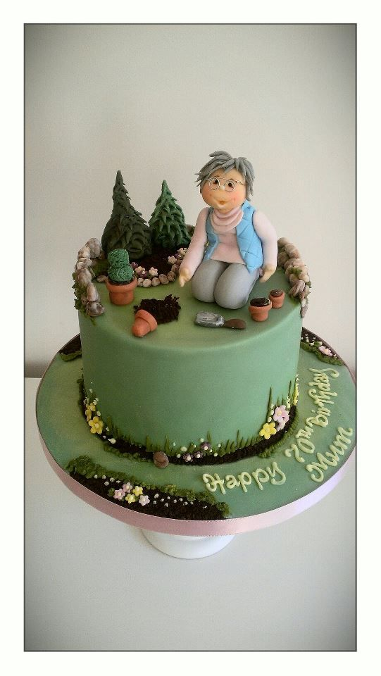 garden themed wedding cake toppers 21 best garden fondant images on garden cakes 14644