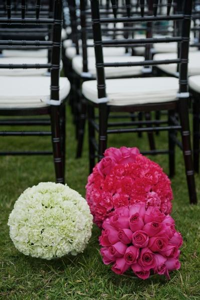 Gorgeous color choices for a Hawaii wedding
