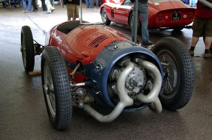 The 1935 Monaco Trossi. Twin Supercharged, 2 Bank/16 Cylinder Radial engine