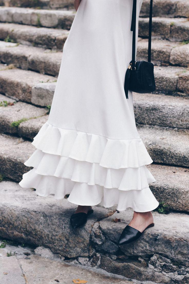 Y con este vestidazo blanco de Dana Sidi empiezo una nueva semana de julio. Contenta después de haber pasado un fin de semana de desconexión y playa