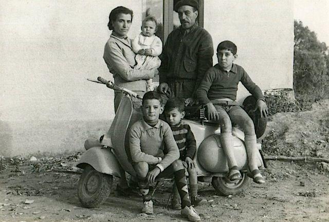 Autoritratti all'incontrario. - Ot 1957: foto di famiglia