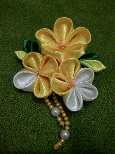 Nanohana hijab brooch