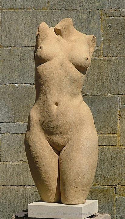 lucianne lassalle: Ceramic sculpture