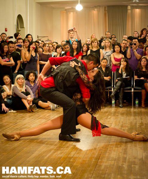 Bachata dansı için beşiktaş dans kursu http://fabrikadans.com