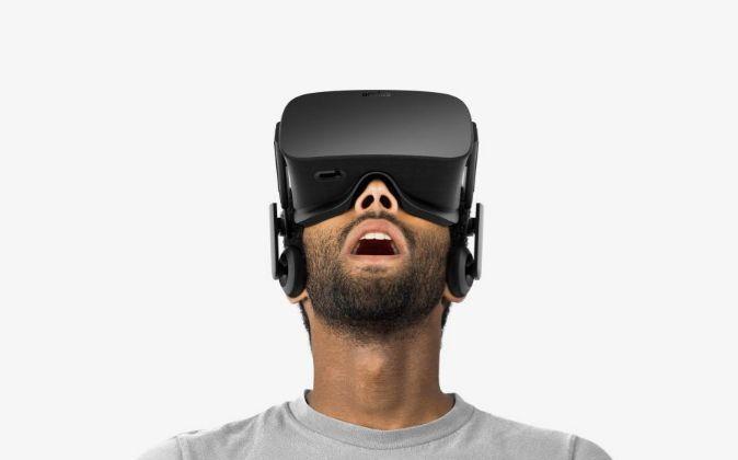 """En realidad, Bell estaba andando por una moqueta con un casco de realidad virtual (RV): """"Sabía que estaba en un entorno virtual, pero aún así..."""