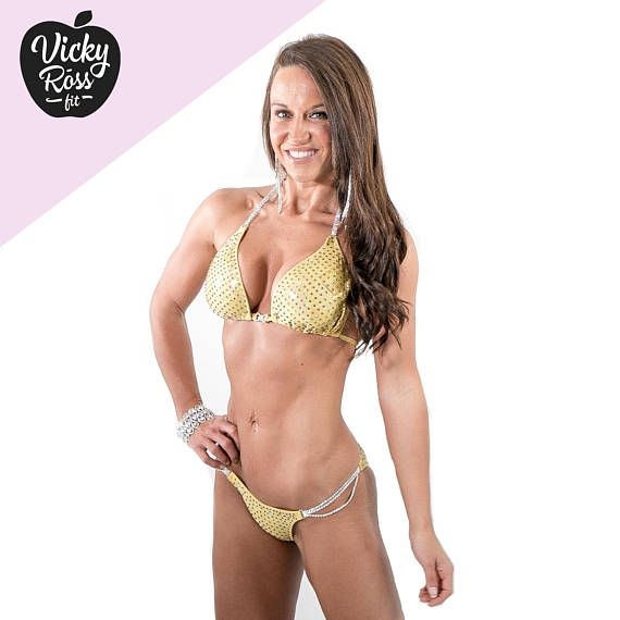 Goldener Volcano Bodybuilding Wettkampf Bikini Posing Anzug von Vicky Ross Fit | Posing Bikini Wettkampfanzug | Strass Bikini Stecker   – Products