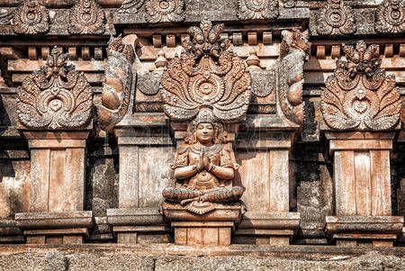 ősi hindu templom istenségek s mitológiai lények szobrok Hampi Karnataka India Stock fotó