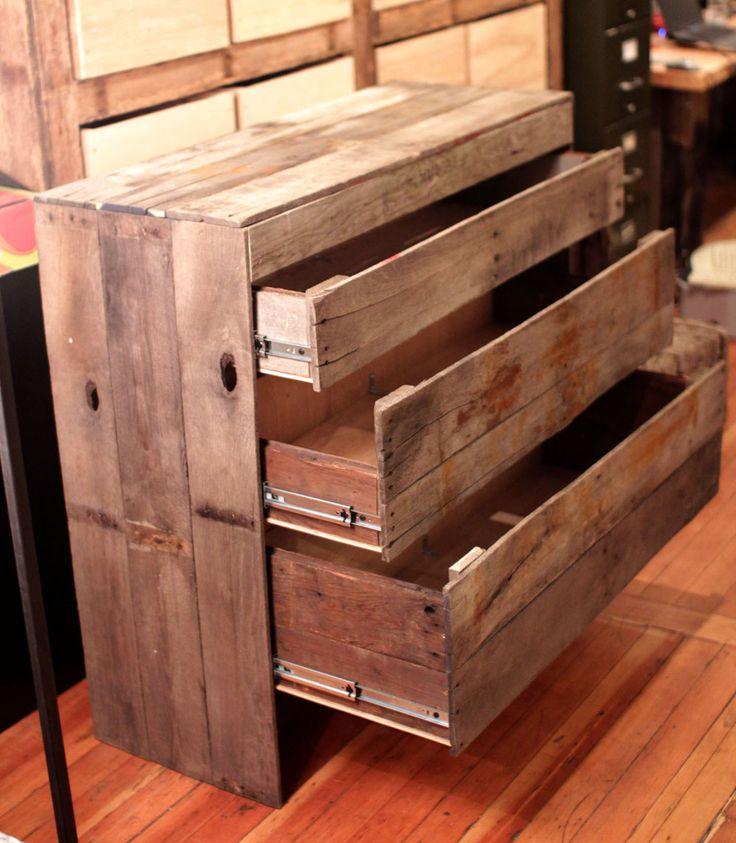 58X44HTPLT Pallet wood chest