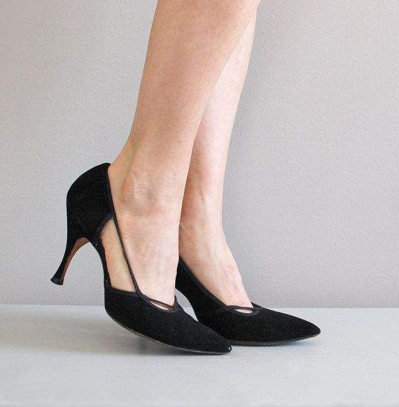 1950s shoes: beautiful ! They always looked better than they felt.