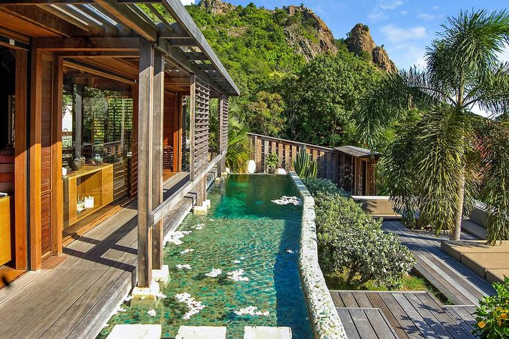 St Barthélemy, Gustavia Balinese-Style Home On The Saline Hillside Is Just A Few Minutes From The Beach
