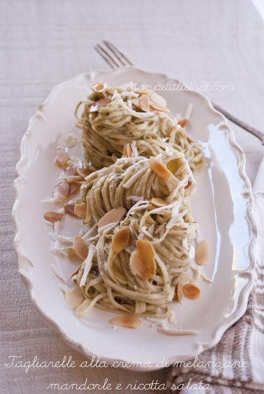 Tagliatelle alla crema di melanzane con mandorle & ricotta salata